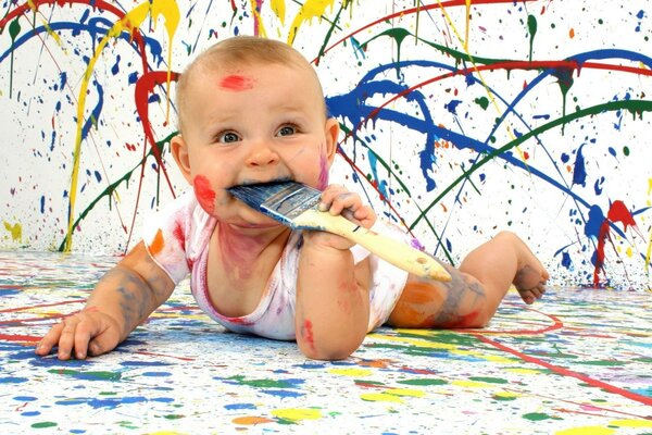 Oil painting - baby paint satisfied and happy
