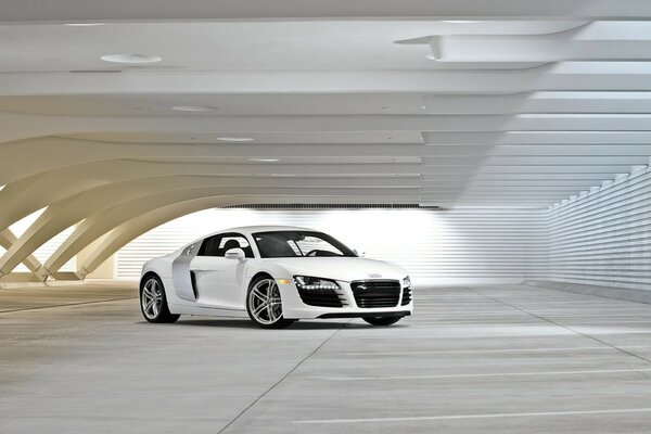 Audi R8 White front and side
