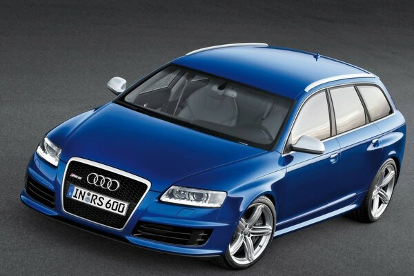 Audi RS6 Avant Front And Side 2008
