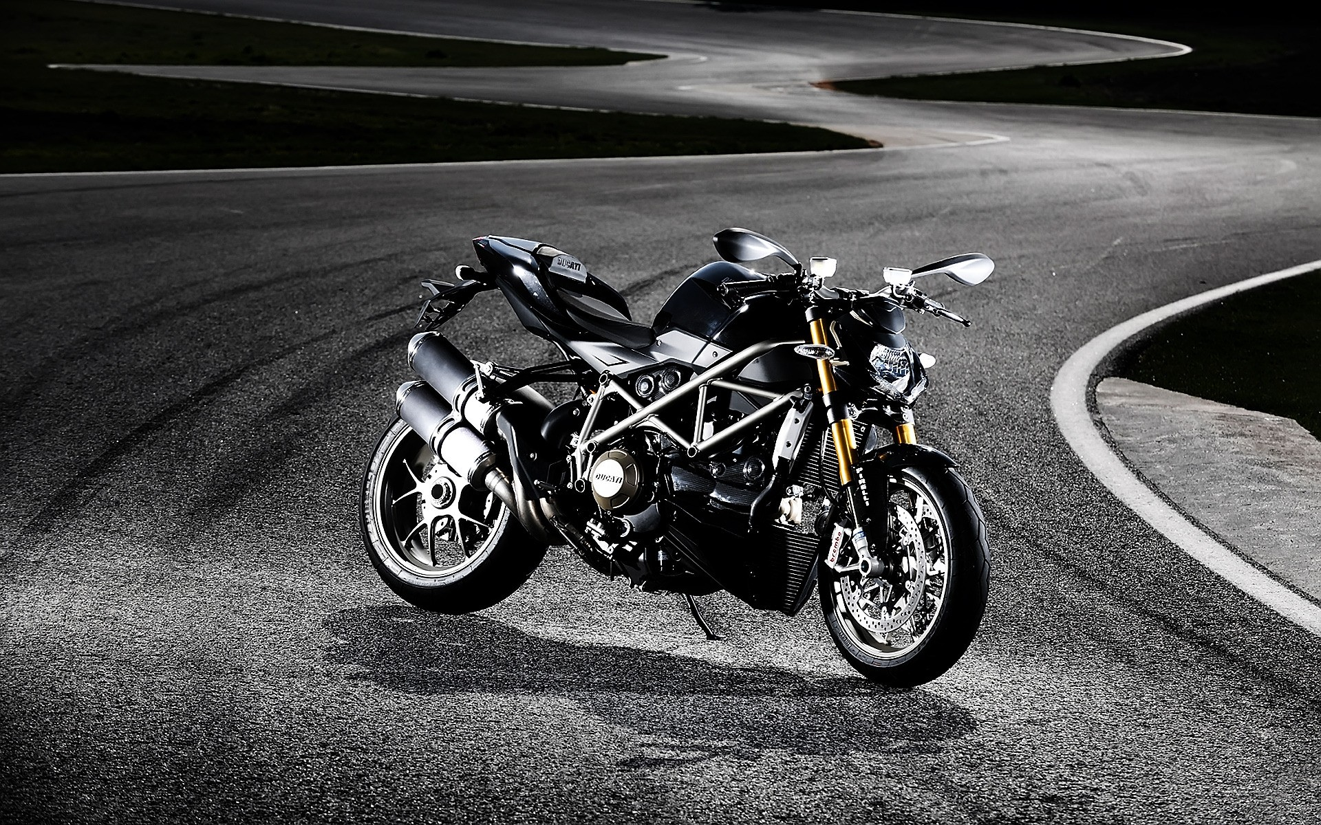 Ducati Streetfighter S Android Wallpapers For Free