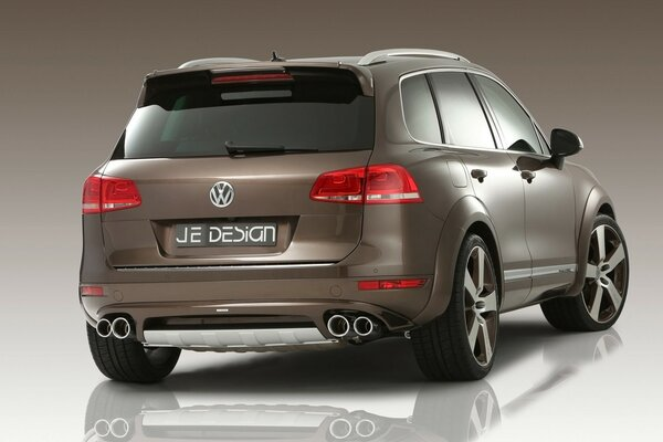Volkswagen Touareg Rear Angle