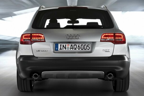 2009 Audi A6 allroad quattro - Rear Speed