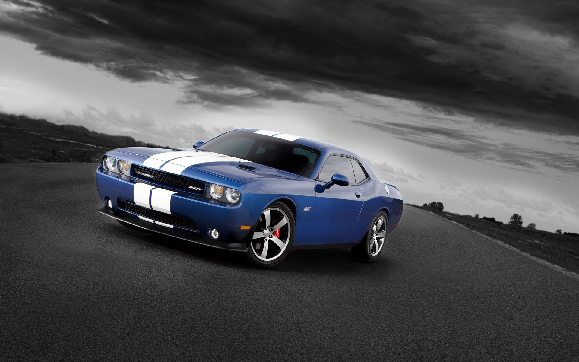 2011 dodge challenger. android wallpapers for free.