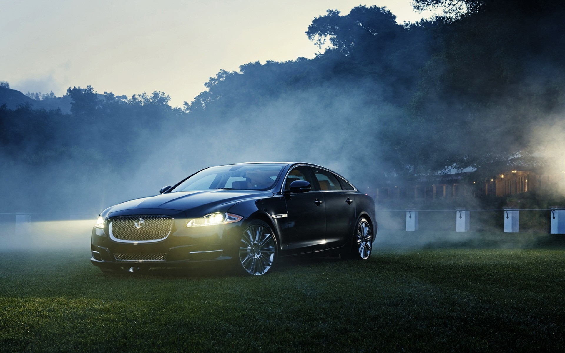 jaguar xj supercharged. android wallpapers for free.