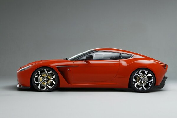 Aston Martin V12 Zagato Side