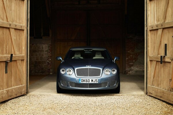 Bentley Continental Flying Spur Front