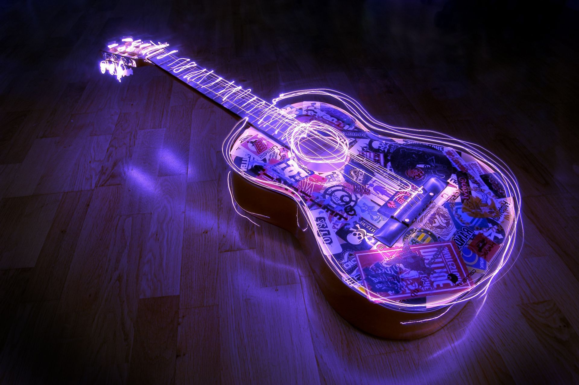 guitar acoustics waves by a line of lights parquet