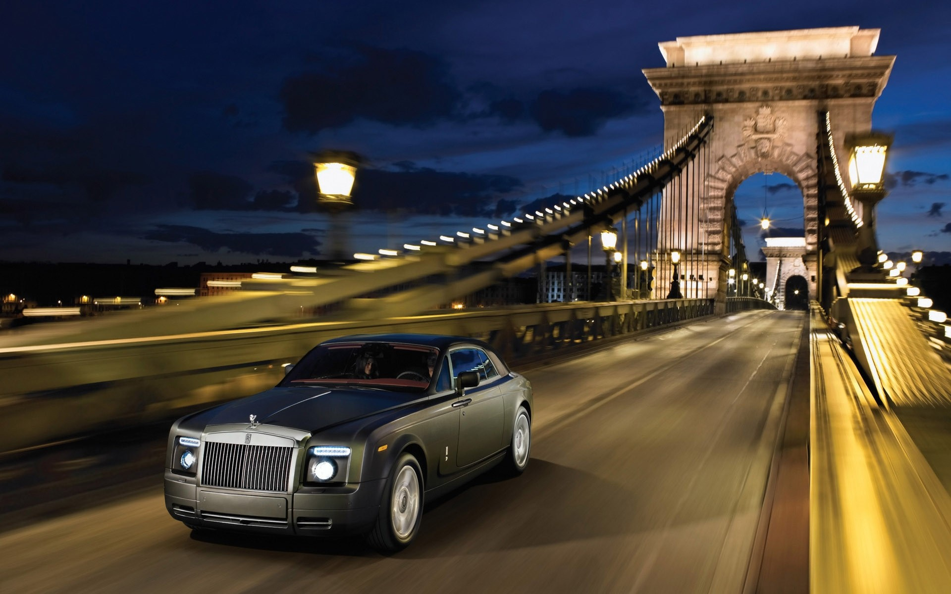 rolls royce car travel transportation system road vehicle blur street traffic pavement outdoors architecture fast city rolse royce 101ex lomousine