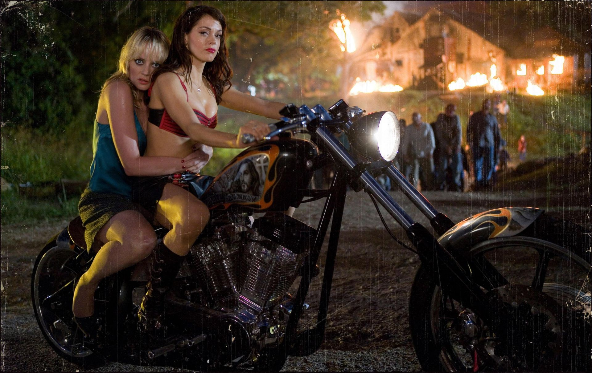 Grindhouse planet terror rose McGowan Marley Shelton