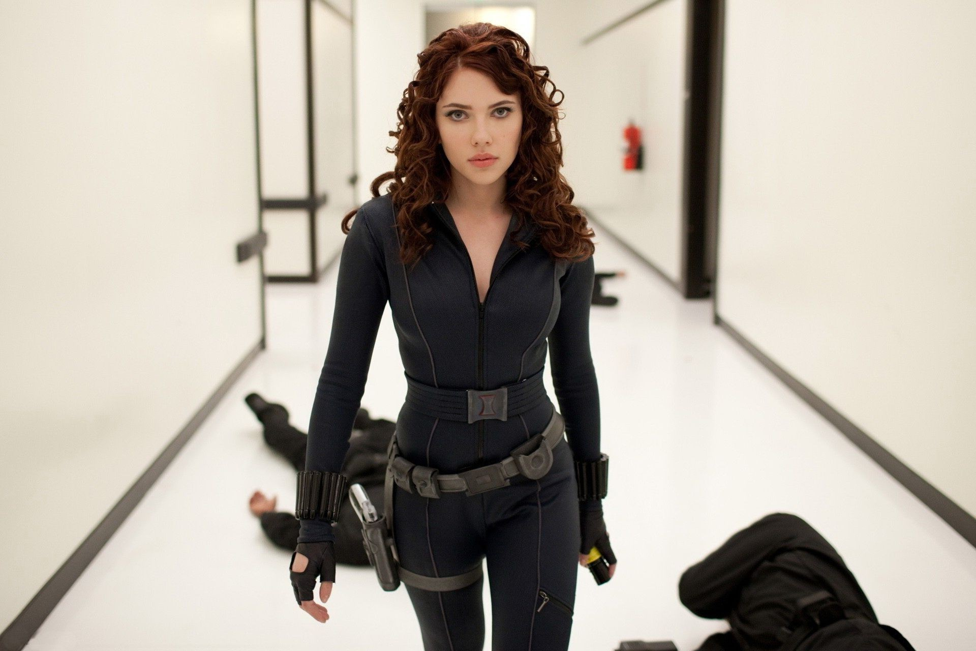The movie iron man scarlett johansson