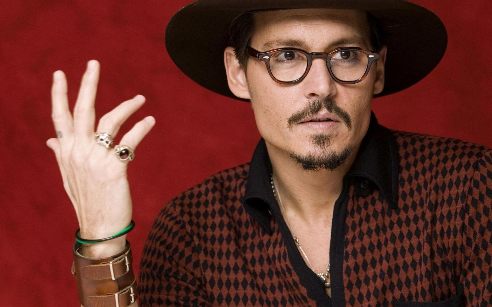 a1b3e3de42b8b Johnny Depp with Glasses. iPhone wallpapers for free.