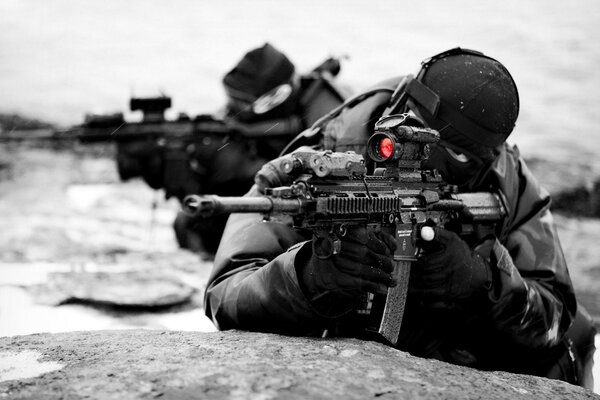 Soldiers military special forces weapons