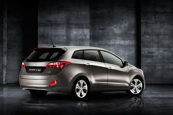 Rear of Hyundai i30 Wagon