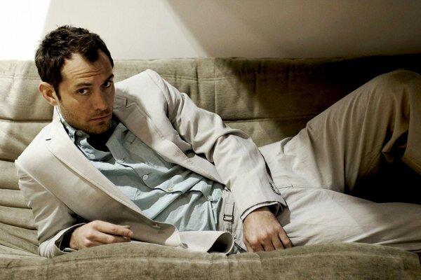 Jude Law Relaxing