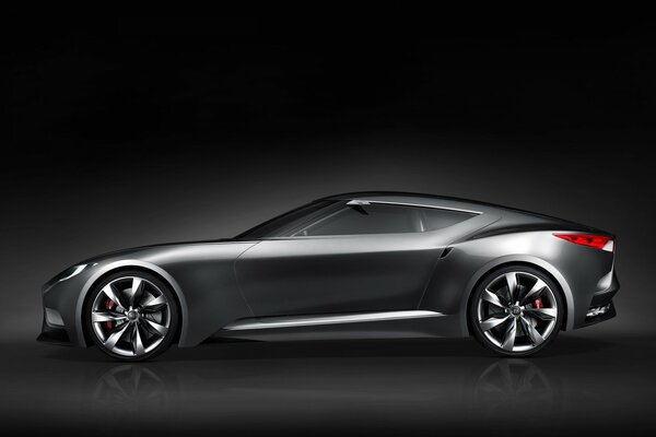 Side of Hyundai Coupe HND Concept
