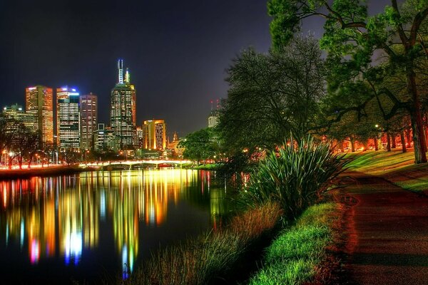 city night Park.river lights