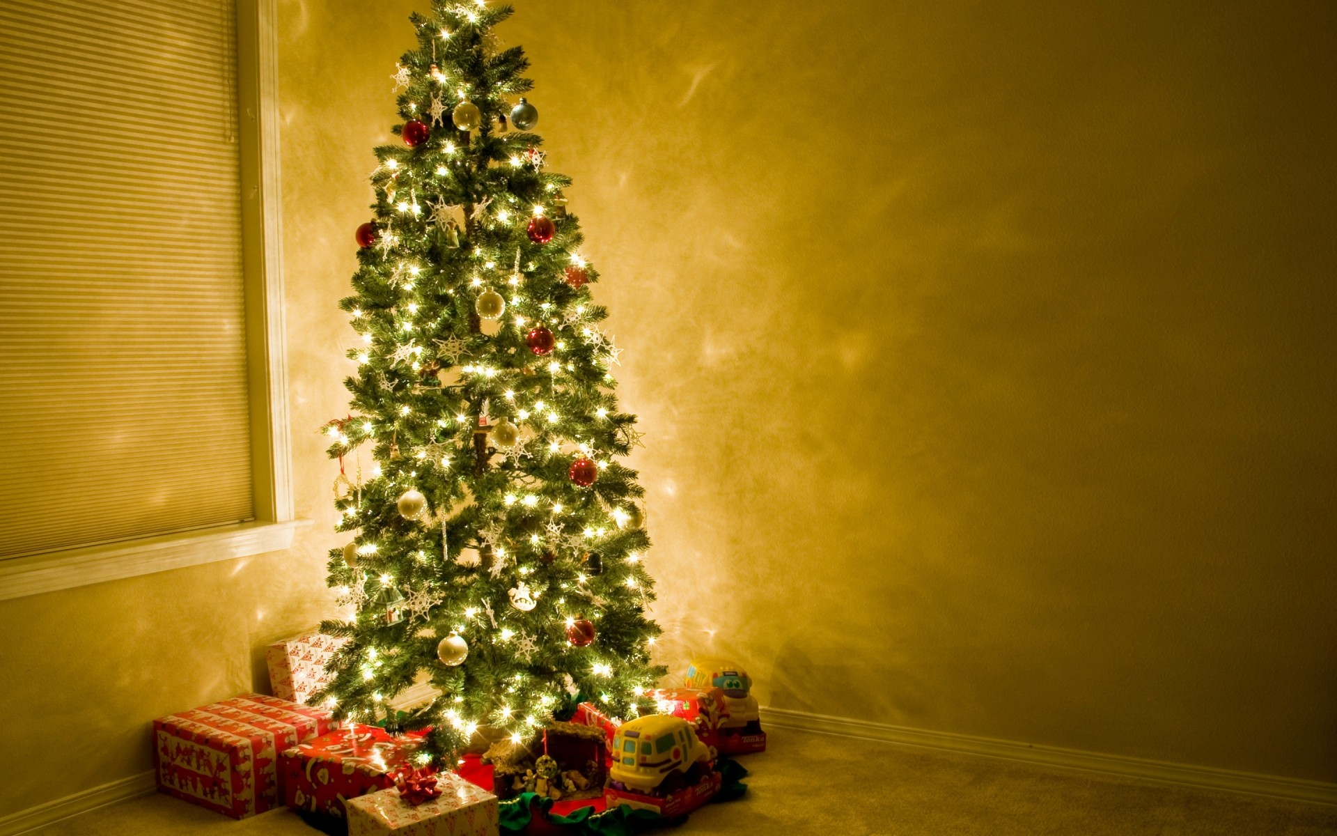 Christmas Tree Beautiful Android Wallpapers