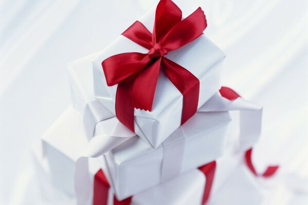 red Holiday bow gift ribbon box