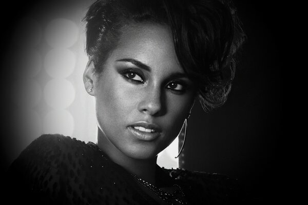 Alicia Keys Black and White
