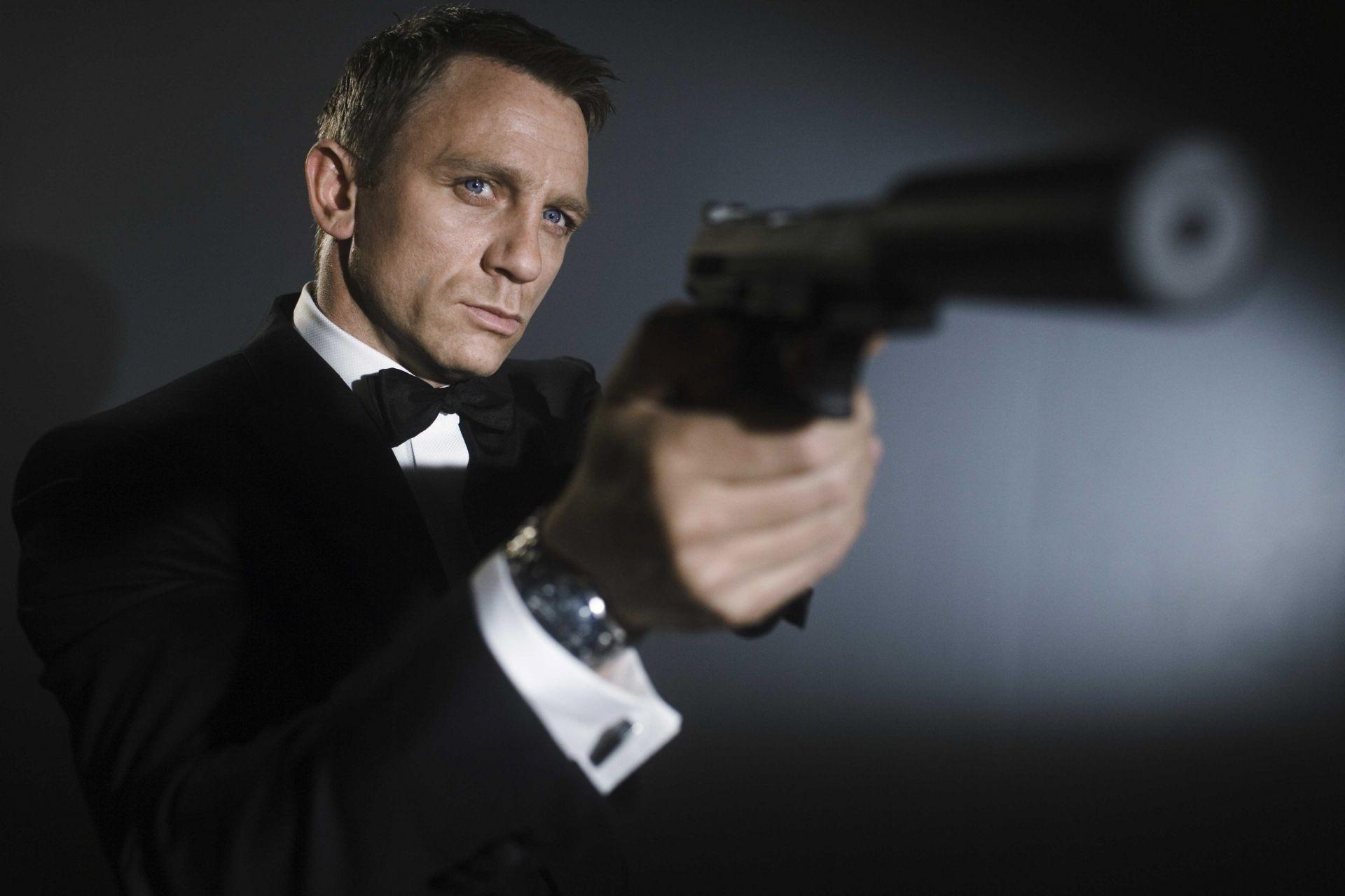 james bond 007 daniel craig. desktop wallpapers for free.