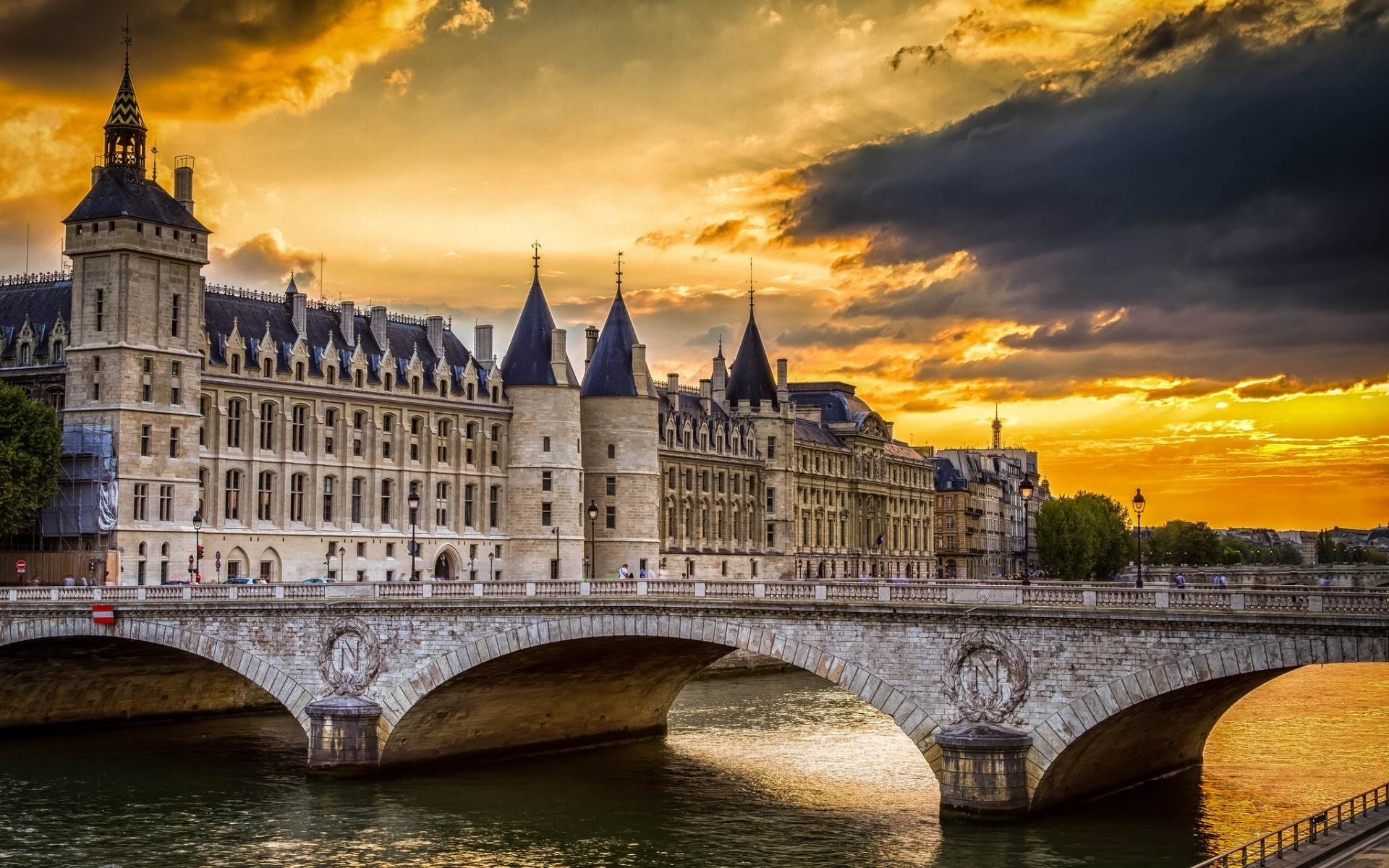 france architecture travel river bridge city building sky outdoors water castle old dusk tourism landmark ancient cityscape illuminated sunset reflection la conciergerie paris seine palace