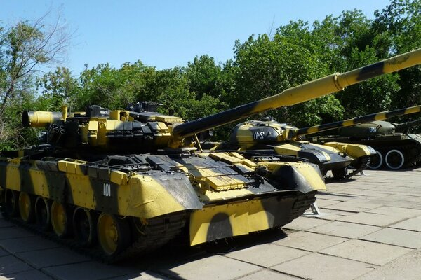 Tanks Russia weapons