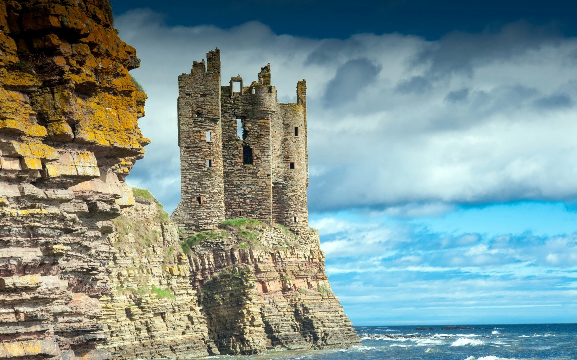 other city architecture castle travel gothic ancient fortress sky old landmark tower building tourism stone outdoors fortification wall scotland keiss castle landscape gorgeous