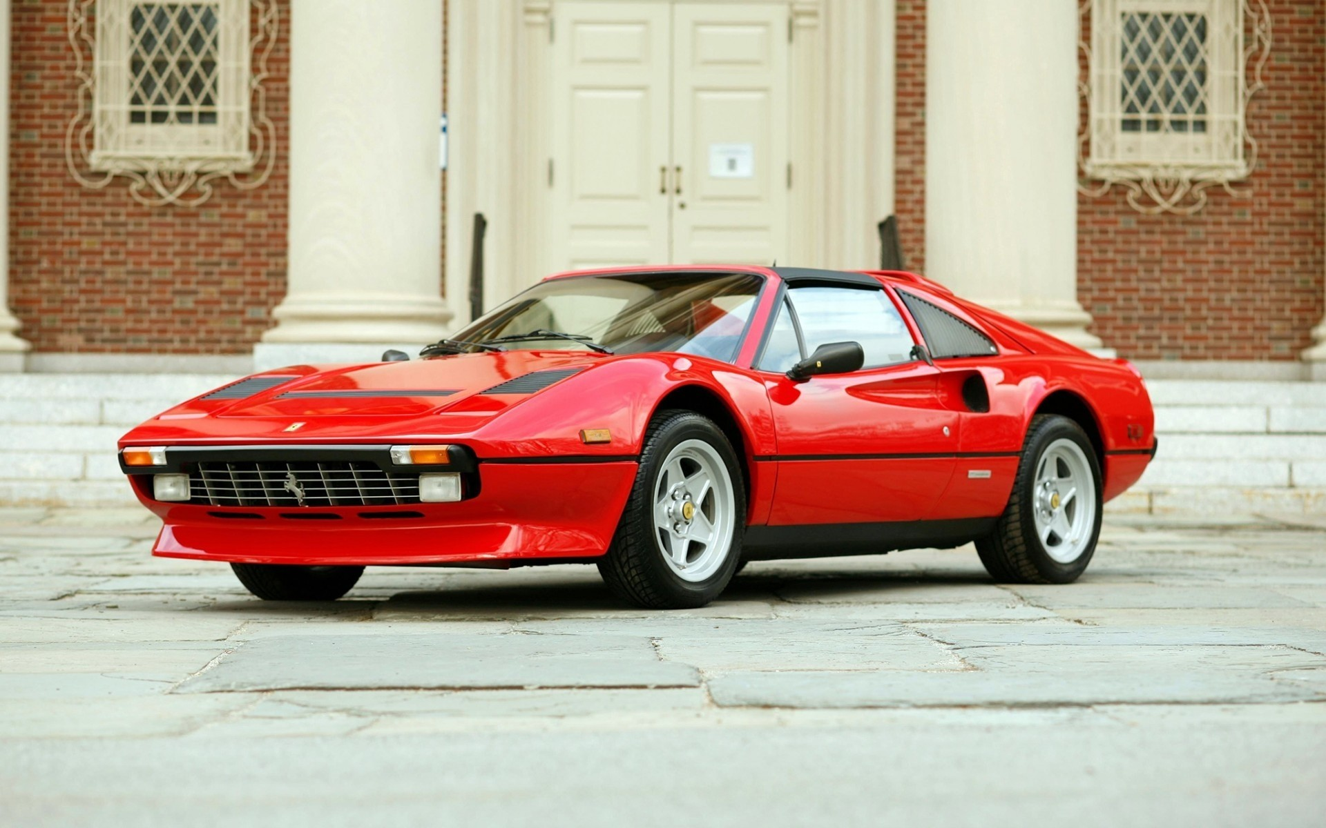 Old Ferrari 308 Android Wallpapers
