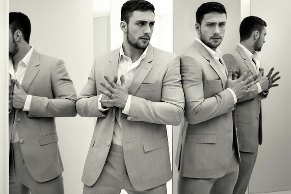 Cool Aaron Taylor-Johnson