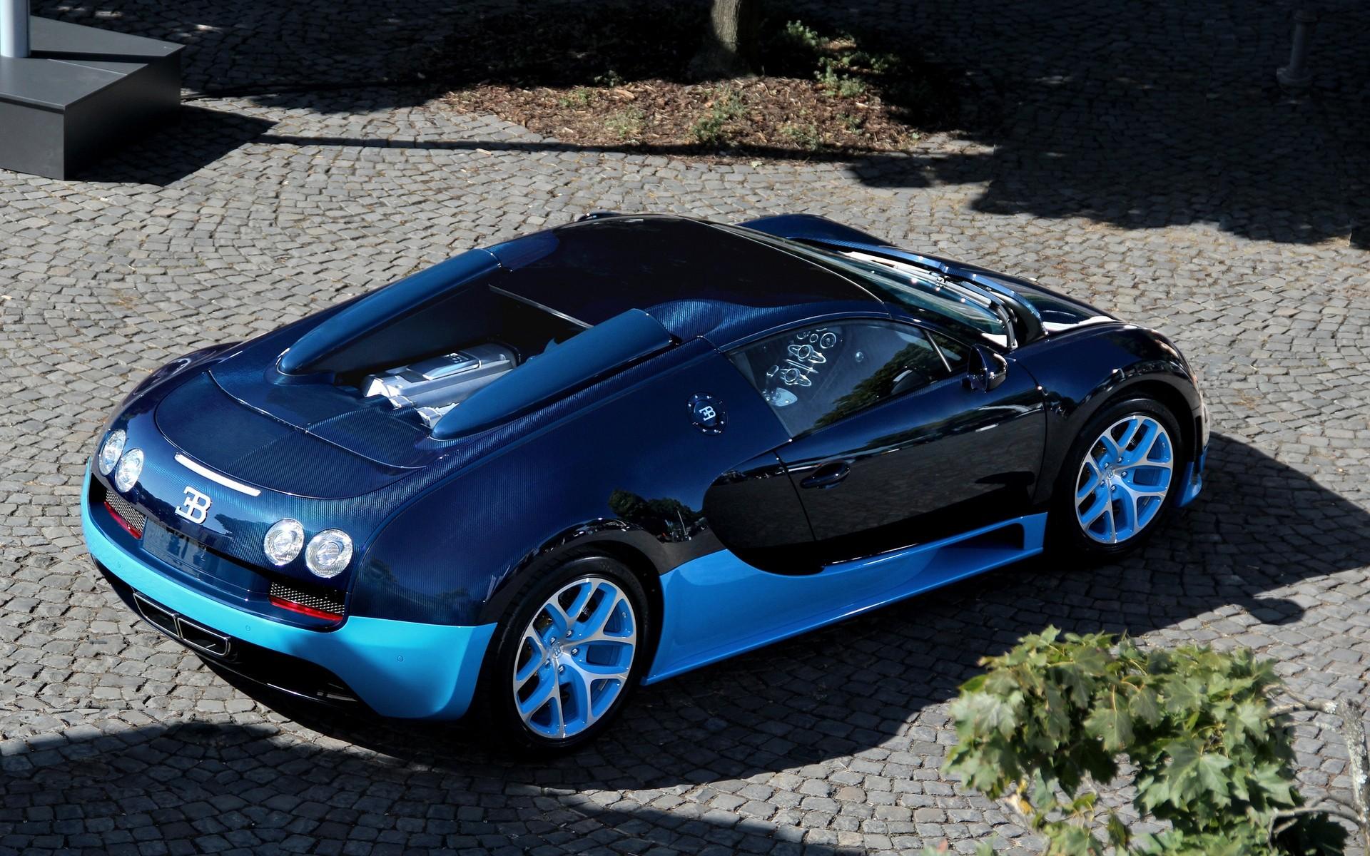Blue Bugatti Veyron Grand Sport Vitesse Wallpaper