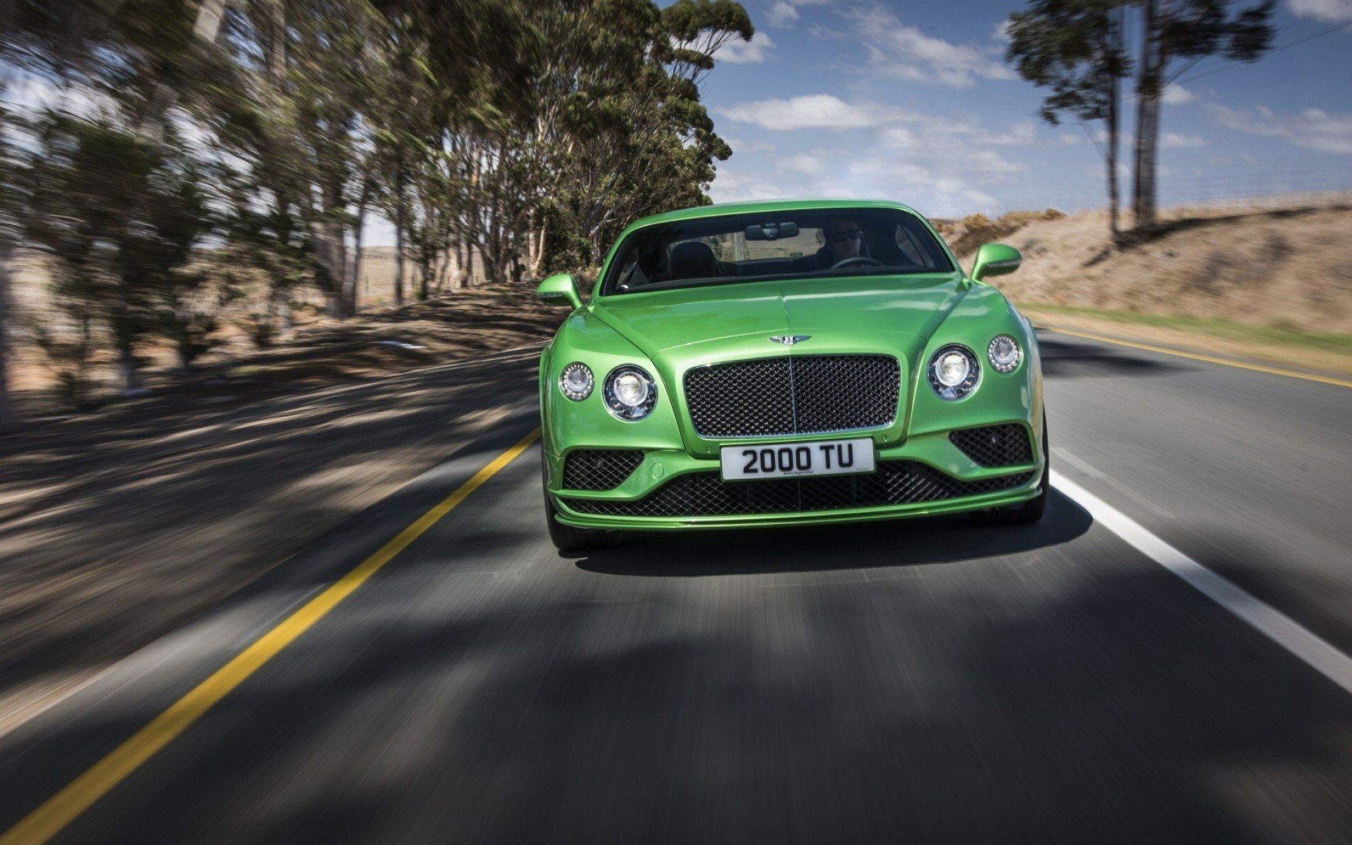 bentley car vehicle asphalt transportation system hurry blacktop road pavement blur drive action fast bentley continental gtc