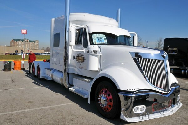 International Lonestar Truck