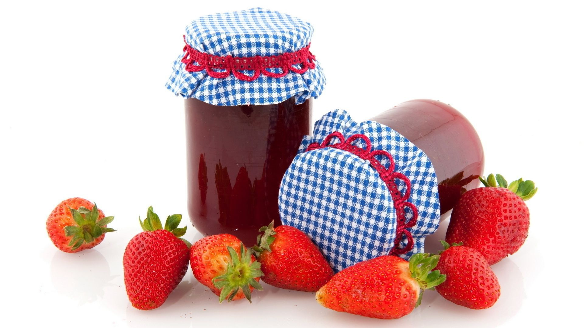 food & drink strawberry sweet food berry delicious jam fruit healthy marmalade nutrition jar refreshment health juicy summer breakfast tasty confection diet