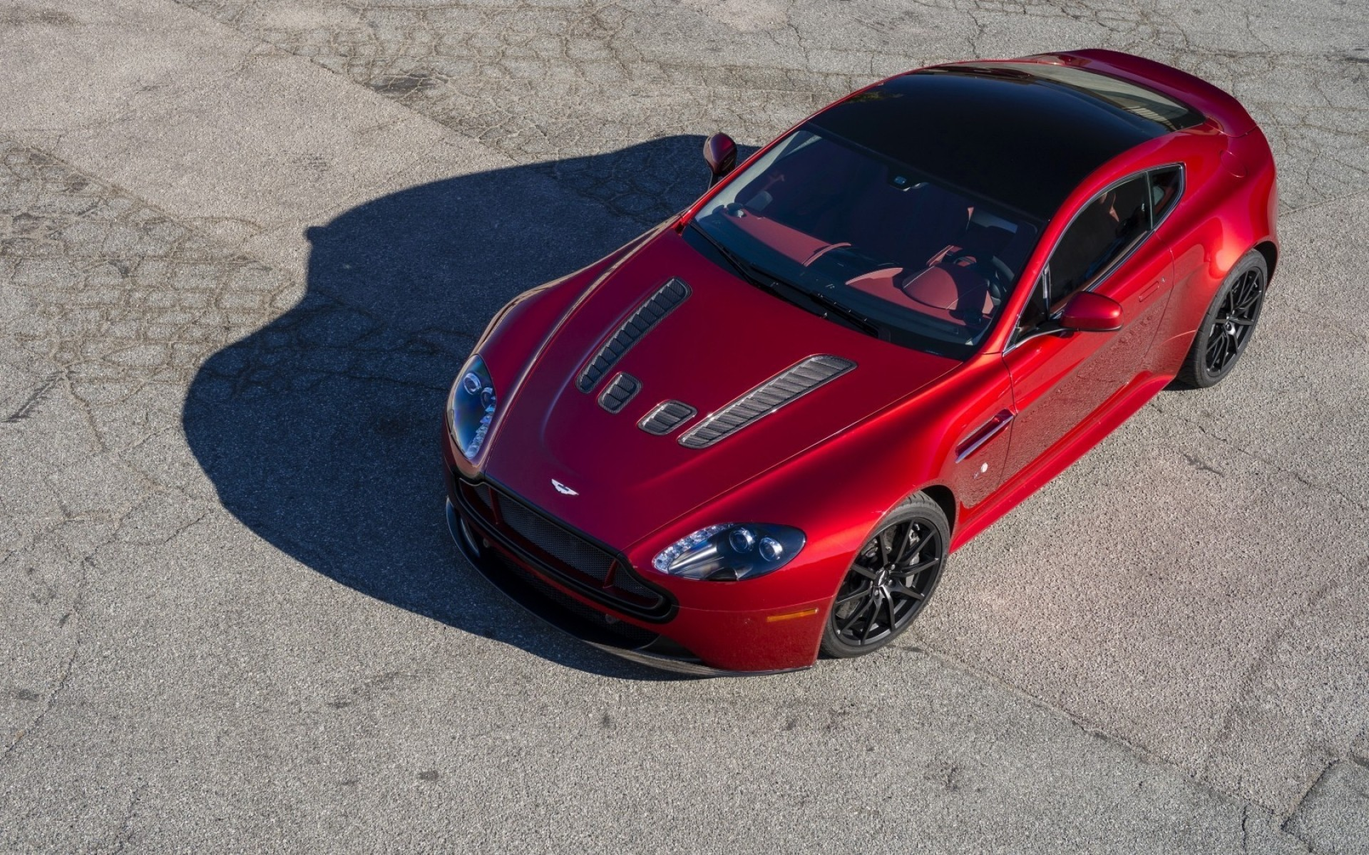 Red Aston Martin V12 Vantage Android Wallpapers