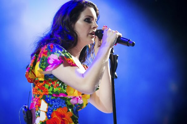 Lana Del Rey Performing Coachella
