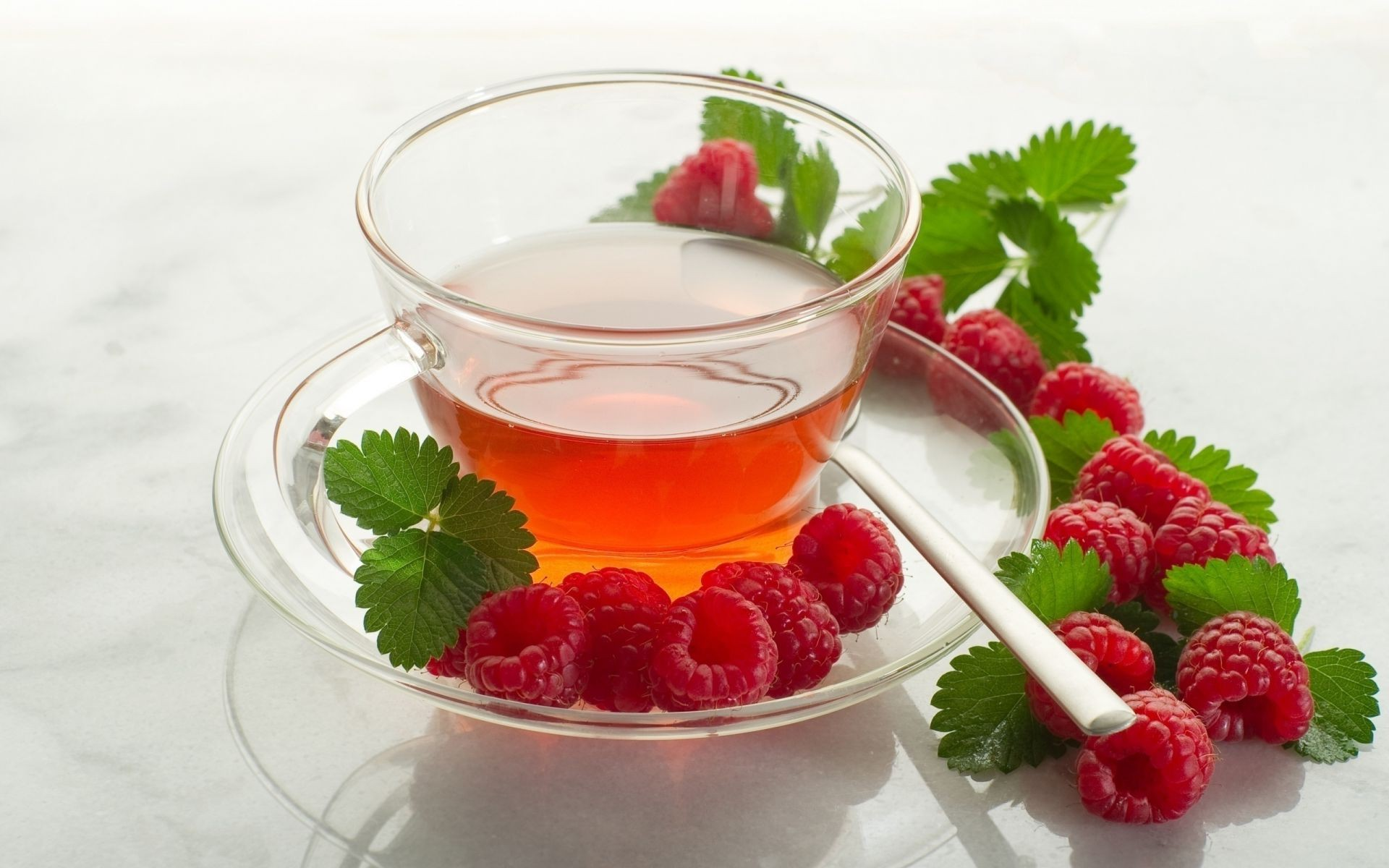 tea berry mint fruit sweet strawberry healthy refreshment leaf food breakfast juicy health delicious bowl freshness peppermint tasty diet raspberry