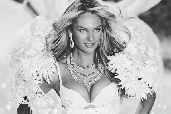 Candice Swanepoel Victoria s Secret Angel Black and White