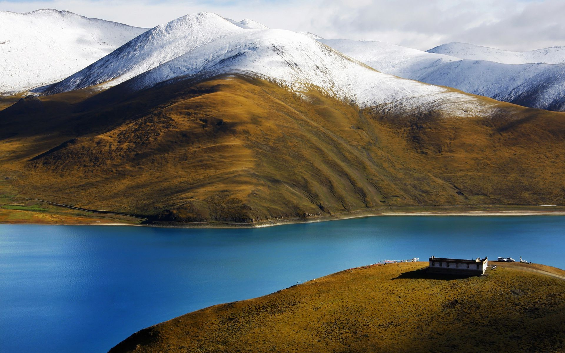 house of Tibet mountains river