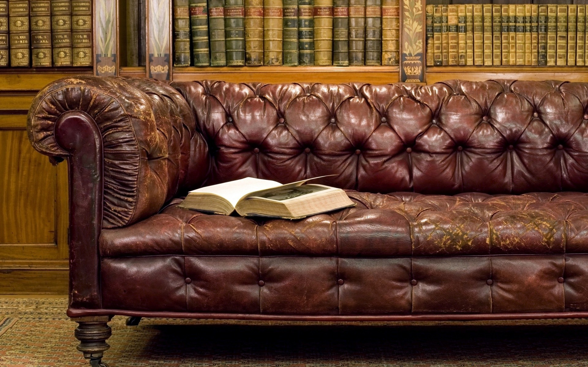 Library Old Leather Sofa - Phone wallpapers