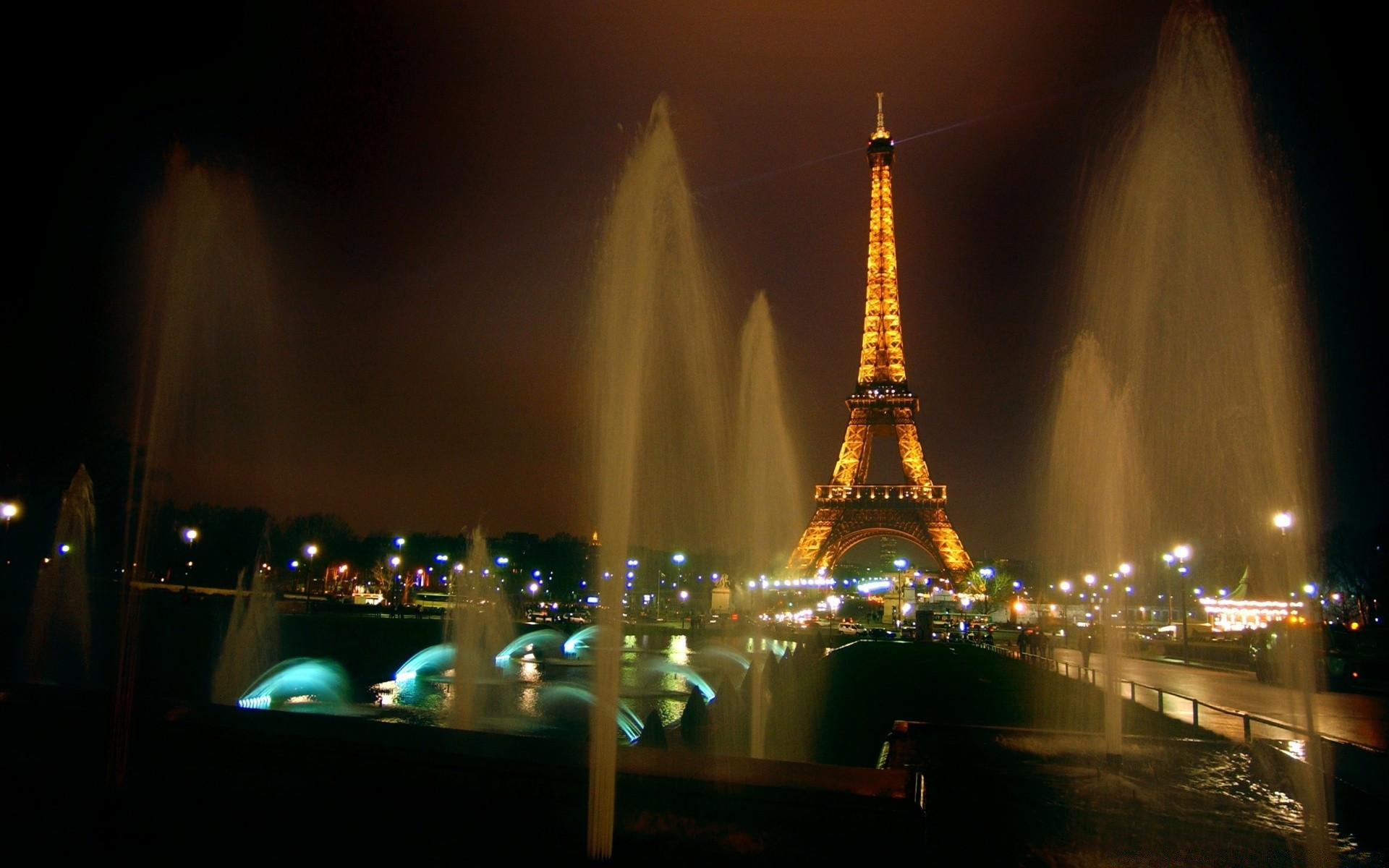 Fountains And Eiffel Tower - Free wallpapers