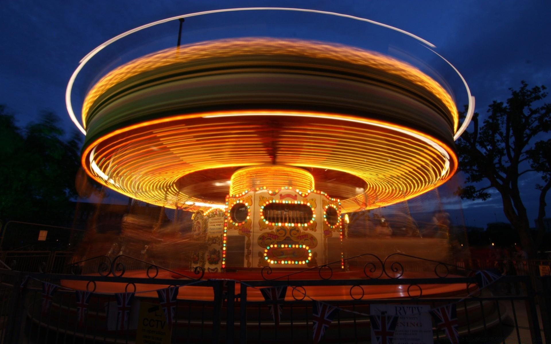 Carousel At Night Android Wallpapers