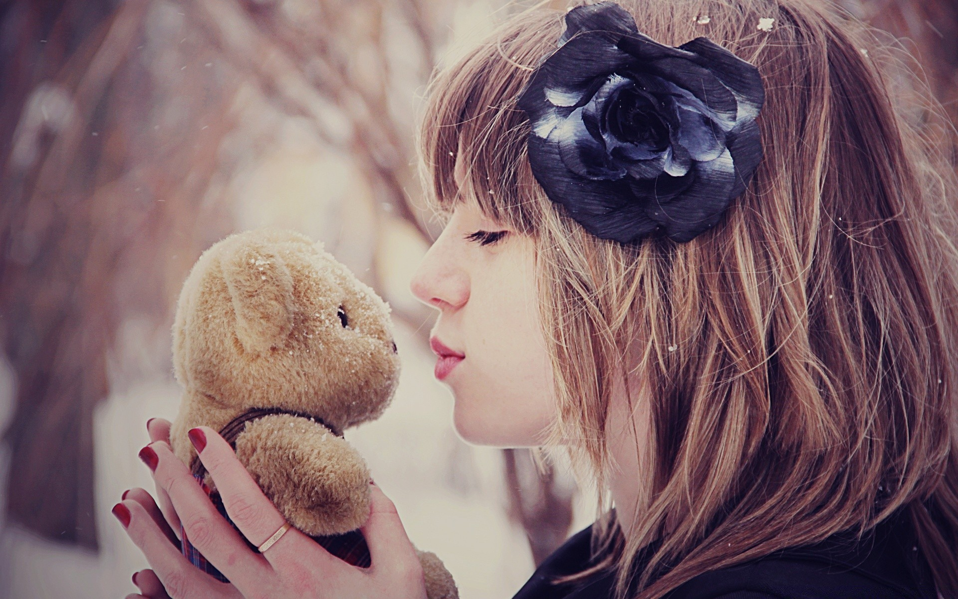 Girl Kissing Teddy Bear Android Wallpapers For Free