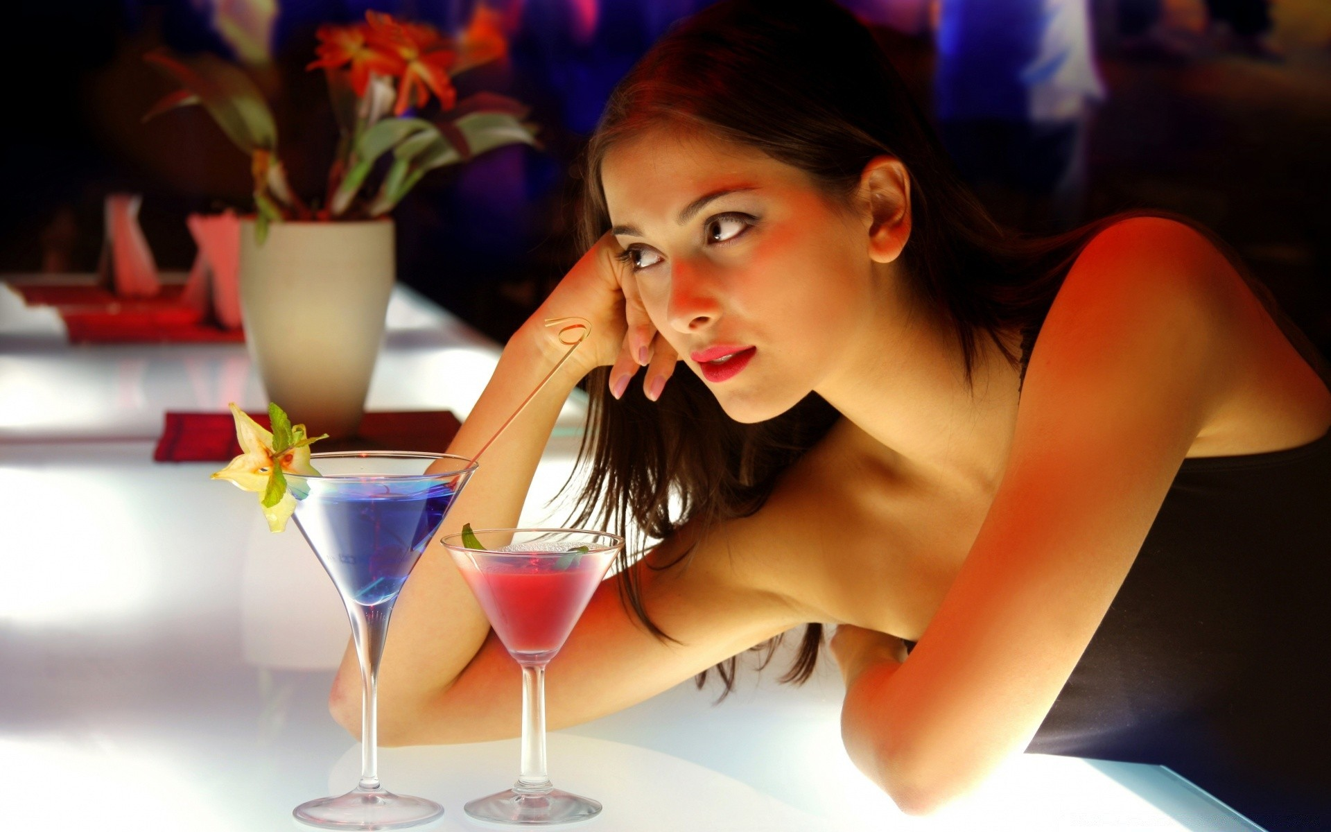 Николай почему в ночных клубах нельзя снимать гостиницы