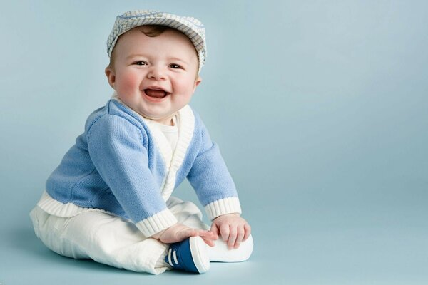 Baby blue background purasca laughter