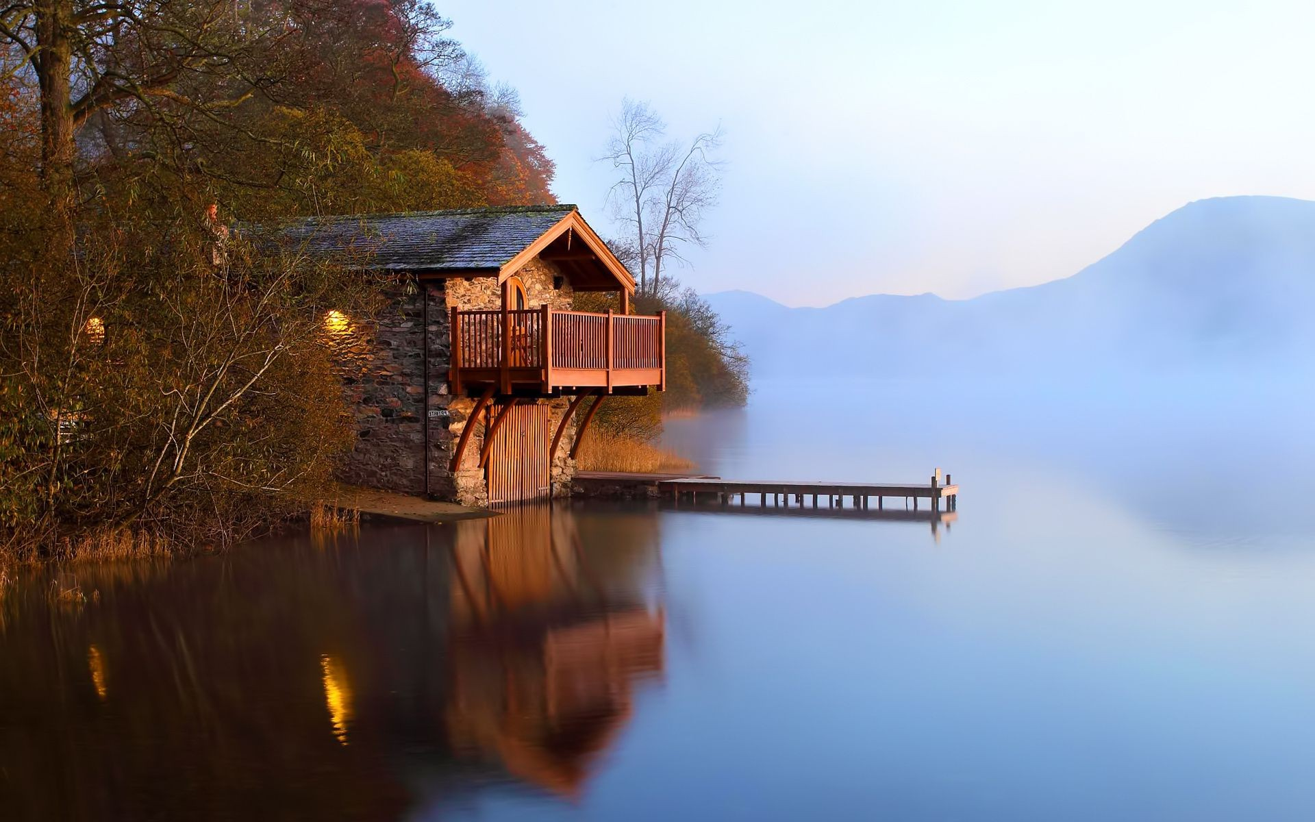 autumn Dawn the lake of the barn the mist dock