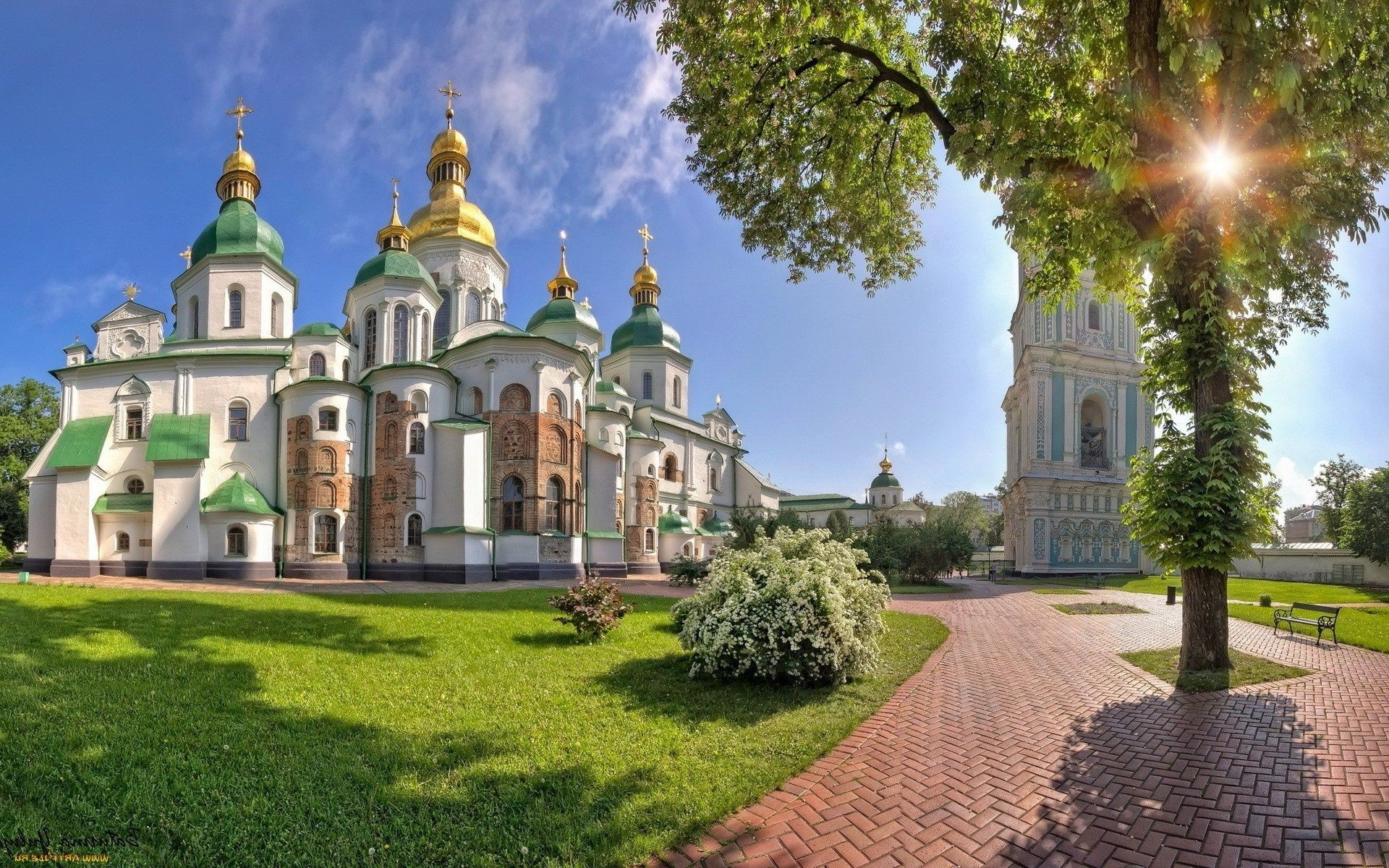 ancient architecture architecture building church travel sky old city castle religion dome culture tourism exterior famous orthodox cathedral tower landmark historic sight