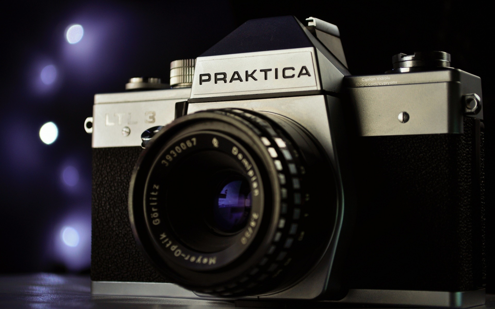 Camera Vintage Android : Praktica film camera. android wallpapers for free.