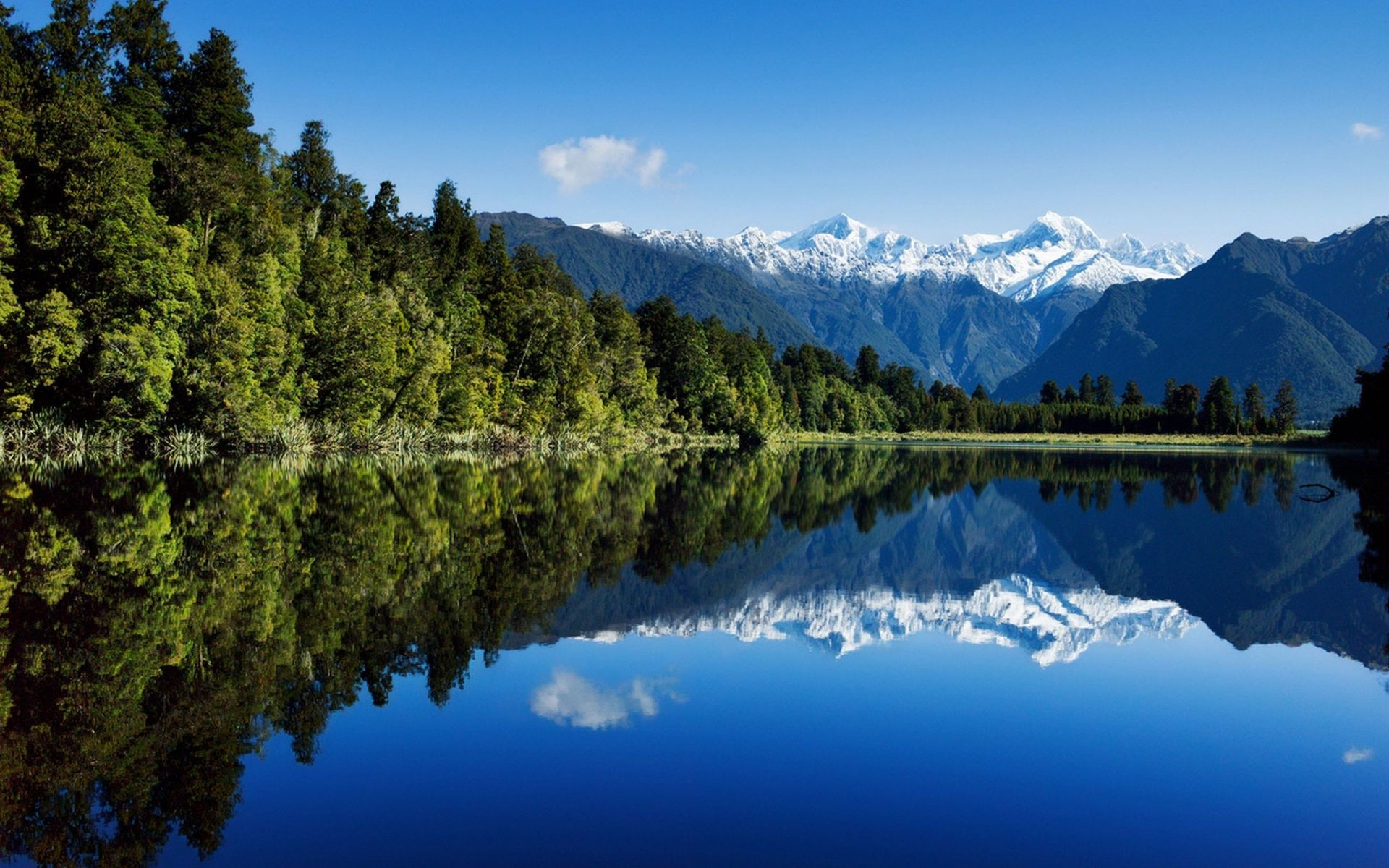 New Zealand scenery mountains lake forest