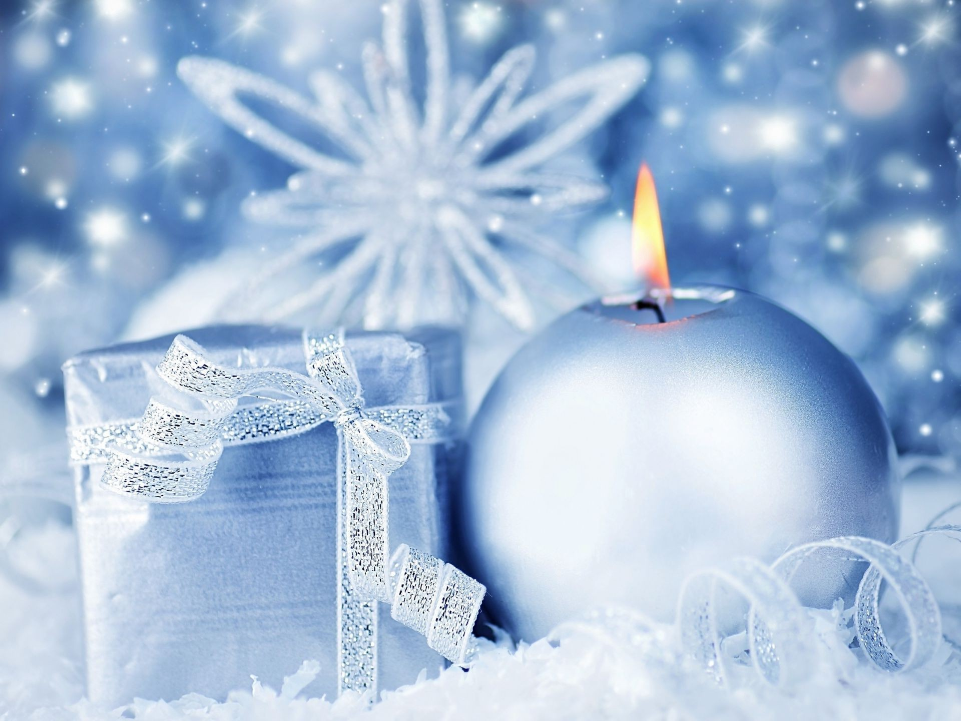Snowflake candle gift blue