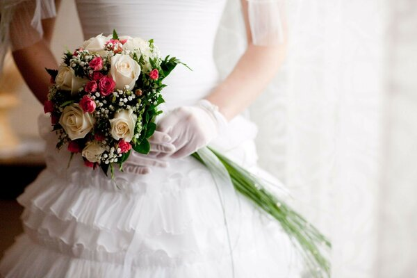 roses wedding dress roses white bouquet Wedding
